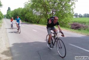 Замыкающие группу велосипедисты