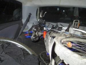 Велосипеды в багажнике автомобиля