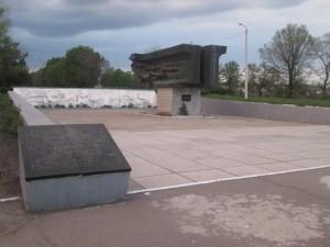 Памятник героям ВОВ в Карманово