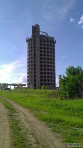 Башня виноделов и место прыжков роупджамперов