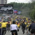 Огромное количество велосипедистов на Велохоре 2014